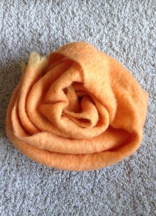 Большой мохеровый шарф цвета дыни