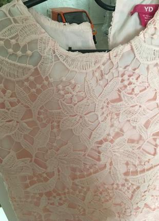 Нарядное кружевное платья