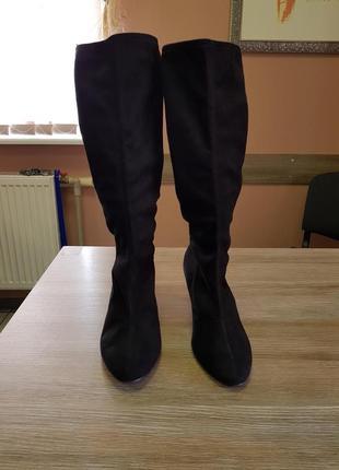 Сапоги из эко замши marks&spenser,черные сапоги по колено на низком каблучке 38 размер