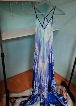 Шикарное платье гофрированное вечернее коктейльное модное оригинальное