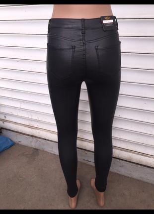 Брюки кожаные стильные под кожу с вощеным эффектом скинни узкие лосины женские5 фото