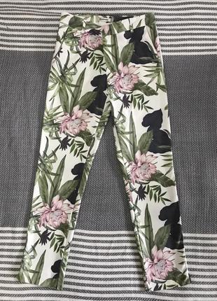 Укорочённые брюки цветной принт