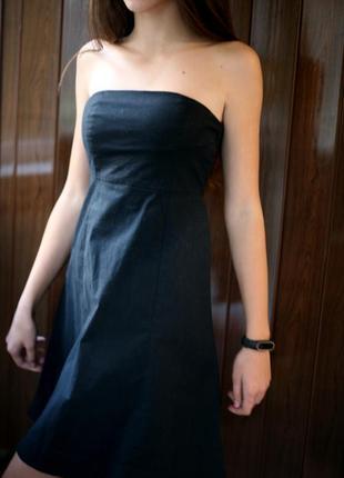 Черное платье колокольчик, расклешенное от груди gap