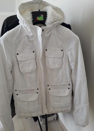 Куртка з  капішоном,тепла