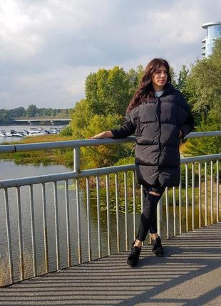 Женская черная куртка с капюшоном