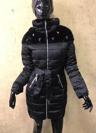 Атласная куртка со вставкой мутон и камушками распродажа!