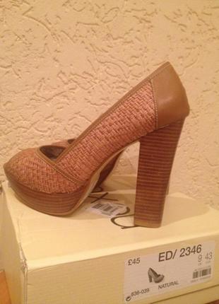 Туфли фирмы некст, новые , с открытым пальчиком .9/43 стопа 26,5см.