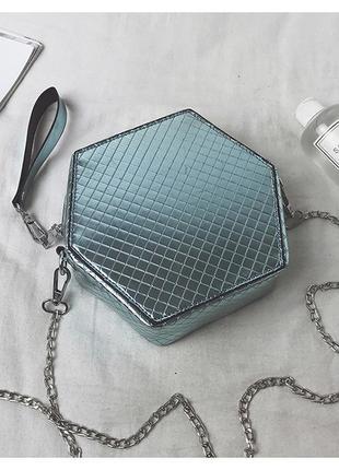 Стильная  женская сумка клатч лаковая цвет голубой