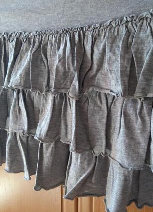Серая коттоновая юбка с рюшками/в складку