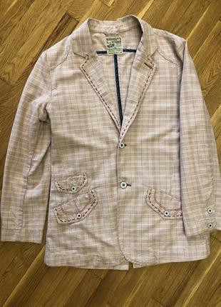 Очень стильный и очень нарядный пиджак. warren webber.