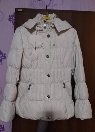 Продам зимнюю куртку (пуховик)