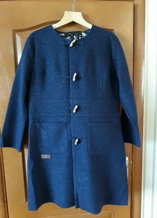 Сircle фирменное шерстяное  красивенное элигантное шикарного качества деми-пальто