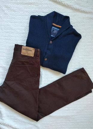 Коричневі чоловічі джинси