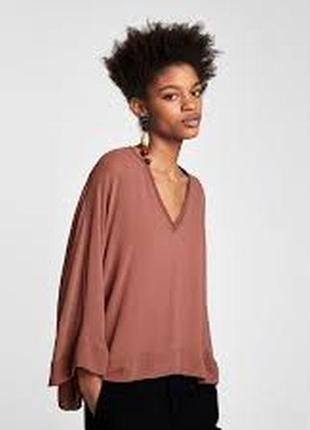 Шикарнейшая шифоновая блуза с широким рукавчиком и v образным вырезом
