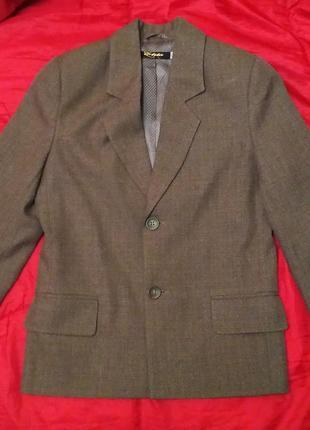 Школьный пиджак elita на 140-146см
