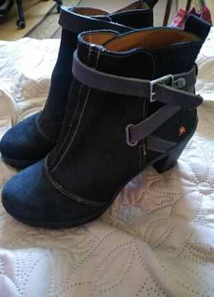 Черные ботильоны сапоги туфли на устойчивом каблуке натуральная кожа 40 р
