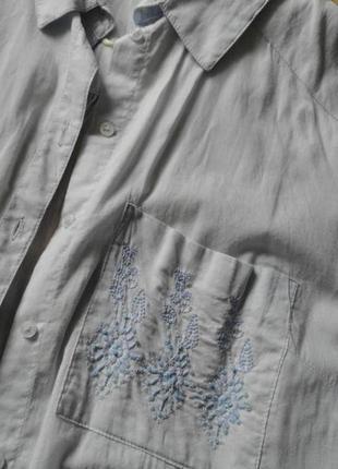 Небесная батистовая рубашка с бисером.