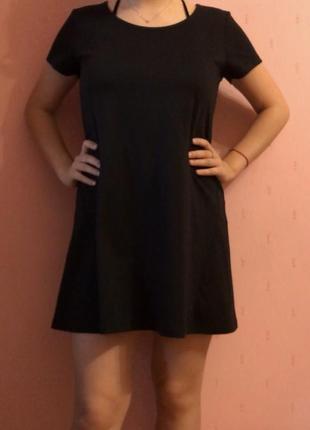 Чёрное платье из плотной ткани house