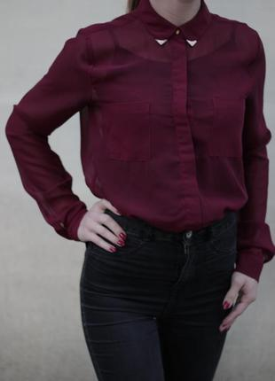 Блуза бордовая/марсала с заклепками под бронзу