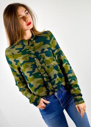 Divided by h&m укороченная рубашка с камуфляжным принтом, камо принт, стиль миллитари