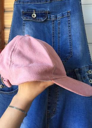 Стильная женская кепка бейсболка