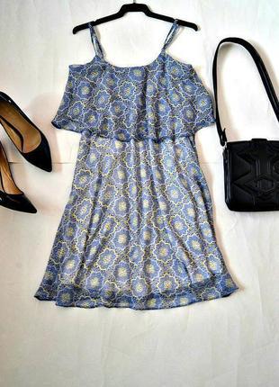 Красивое нежное шифоновое платье с подкладкой