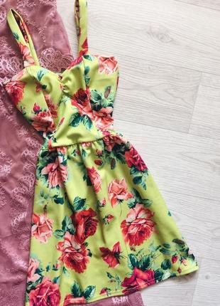 Тропическое платье cameo rose