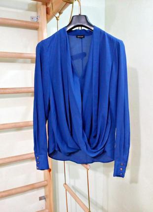 Блуза на запах с длинными рукавами