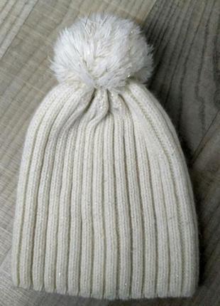 Фирменная    шапочка сhicco на 3-5лет
