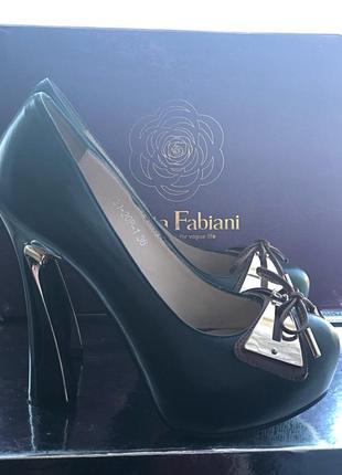 Туфли натуральная кожа sasha fabiani(италия)