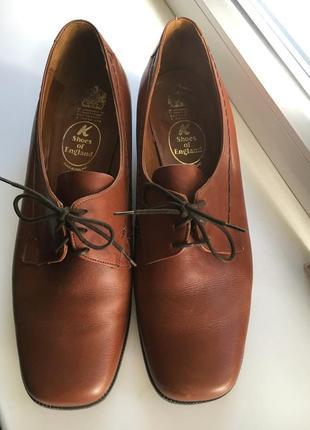 Кожаные туфли осень - весна средний каблук коричневый цвет ( англия )