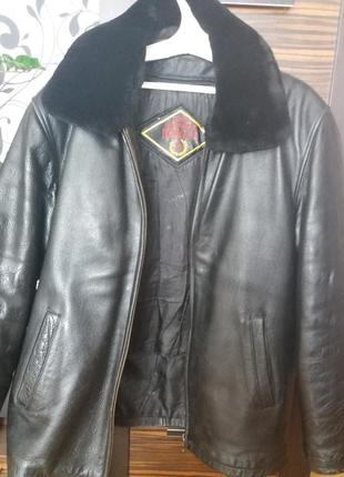 Куртка кожана.