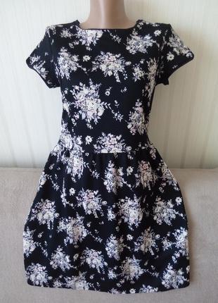 Платье в цветочный принт, короткий рукав, идеальное состояние