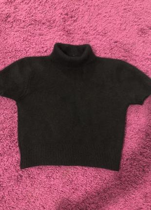 Короткий свитер ангора