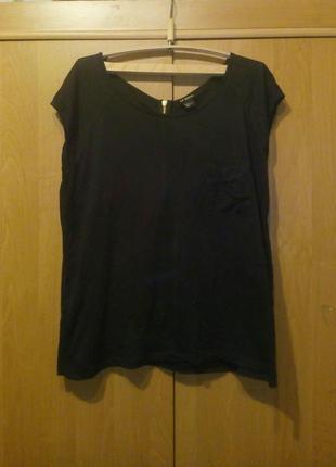 Легка футболка|блуза  з кишенею та блискавкою