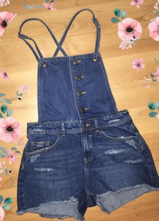 Джинсовый комбенизон шорты stradivarius | джинсы