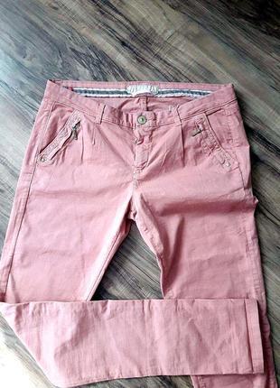 Розовые штаны \ брюки bershka