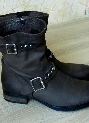 Классные кожаные деми ботинки primadonna,италия,38 р.