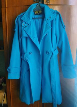 Яркое осеннее пальто