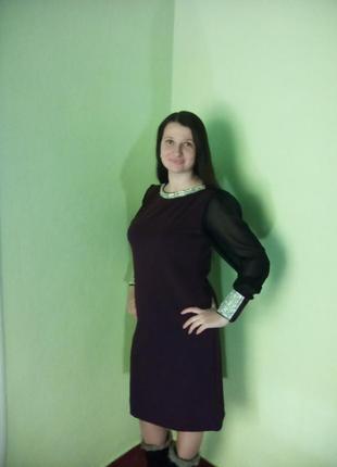 Трикотажное нарядное платье миди