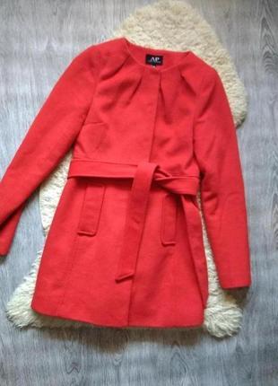 Красное пальто халат с поясом шерстяное классическое 30% шерсть avant premiere, xs