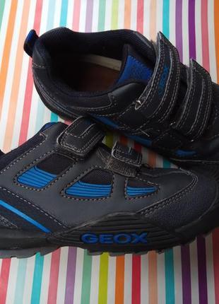 Дуже красиві та якісні черевички-кросівки для хлопчика