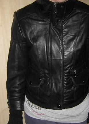 Кожаная женская курточка. зима - весна.