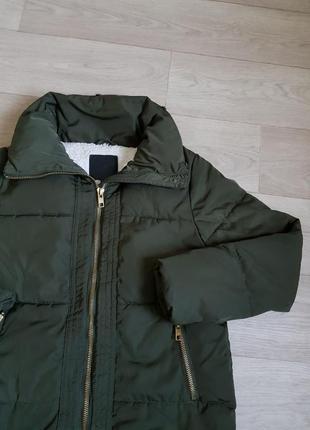 Куртка пуховик new look на зиму зима стильный модный хаки бомбер