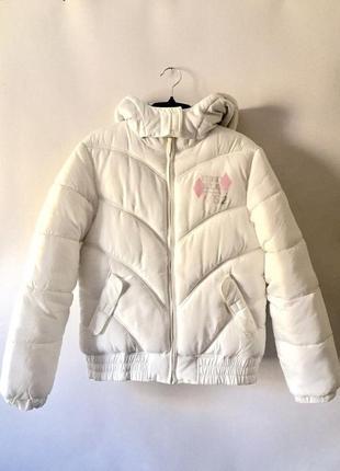 Белая теплая дутая куртка зима