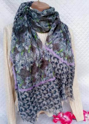 Красивый легкий шарф - палантин в бабочки и птички
