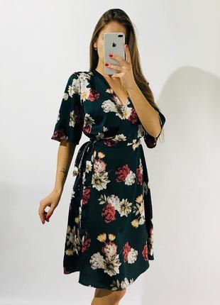Шикарное платье на запах сатиновое для пышной красоты