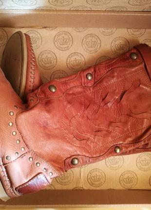 Кожаные сапоги типа угги