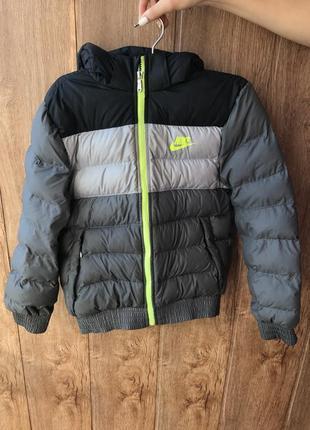 Курточка nike 8-10лет