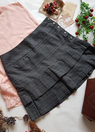 Юбка из плотной костюмной ткани